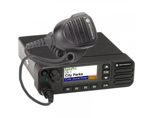 Автомобильная цифровая радиостанция MOTOROLA DM4601E