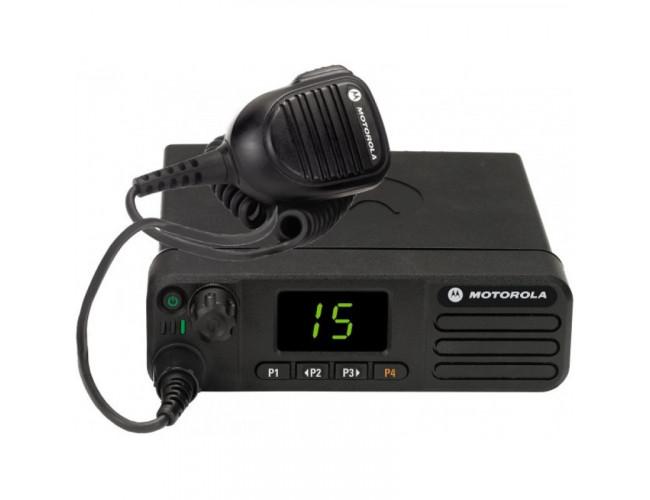 Автомобильная цифровая радиостанция MOTOROLA DM4401E